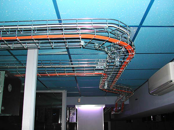 Смонтированная кабельная эстакада
