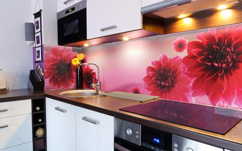 Скинали - так называется цельная панель для кухонного фартука