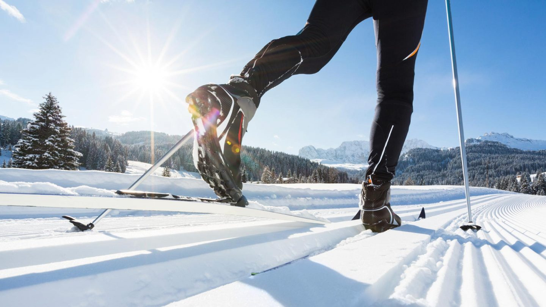Картинки катание на лыжах