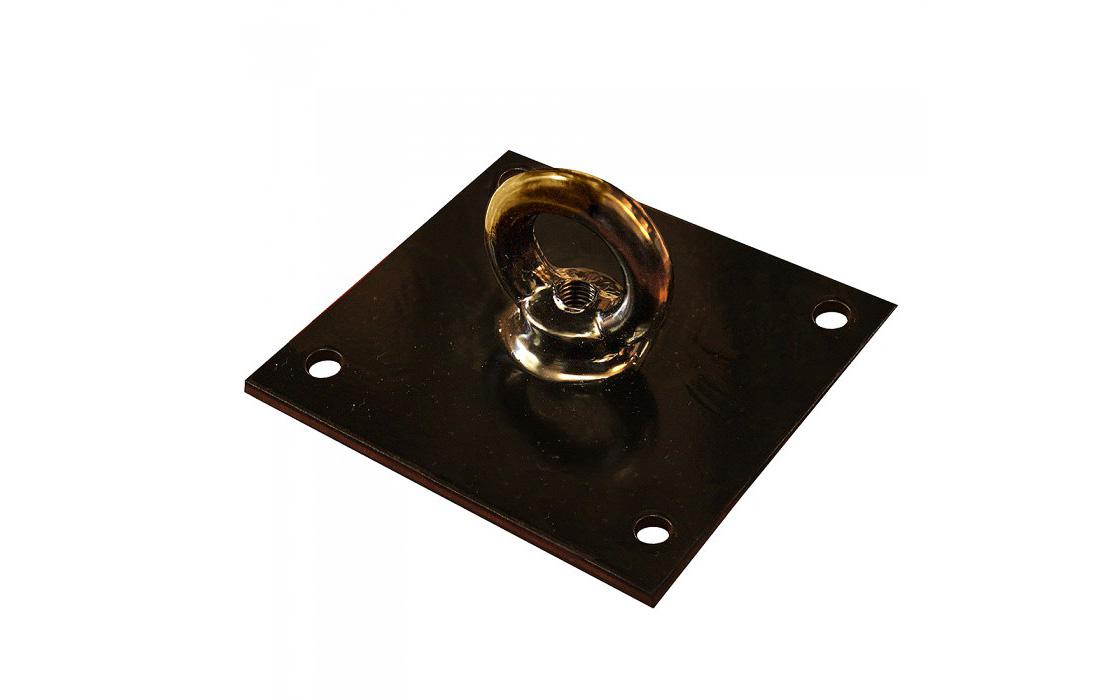 Кронштейн представляет собой металлическую пластину с крюком