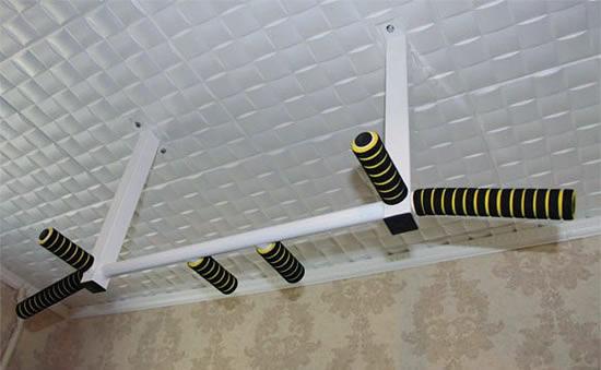 Крепление на потолке