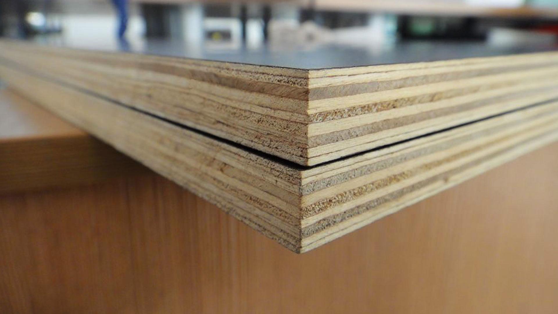 Фанера состоит из нескольких слоев древесины
