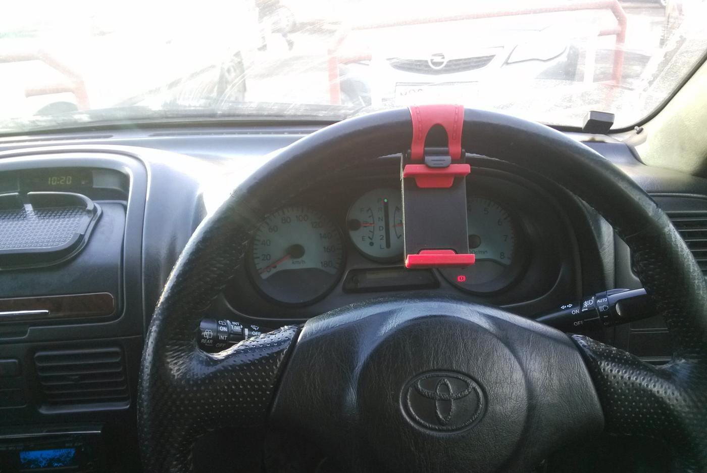 Держатель на руль автомобиля