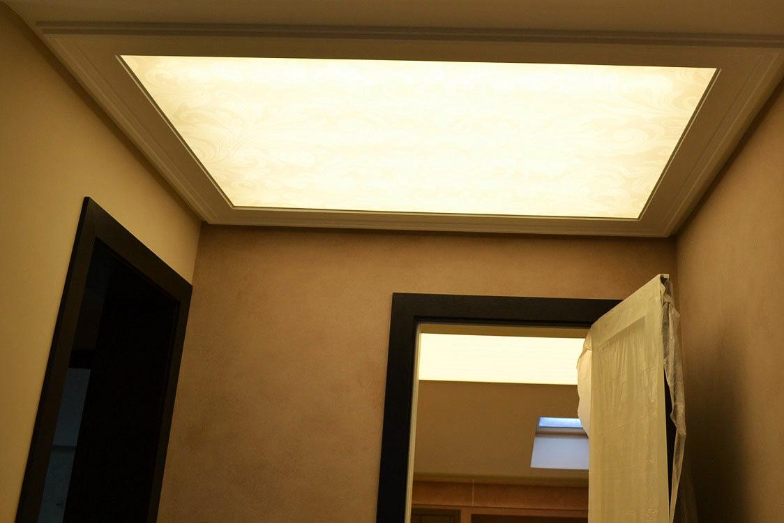 Прозрачный натяжной потолок