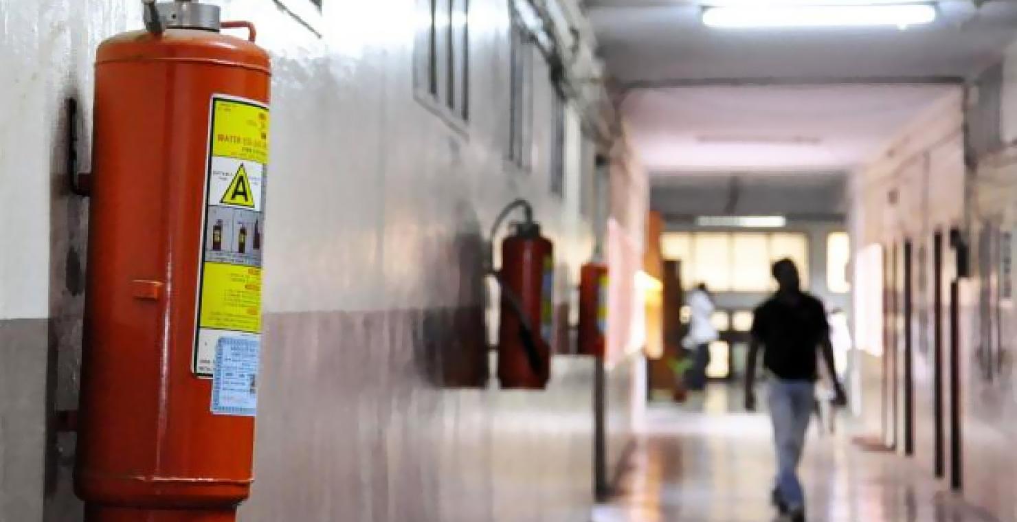 Огнетушитель должен располагаться в свободном доступе