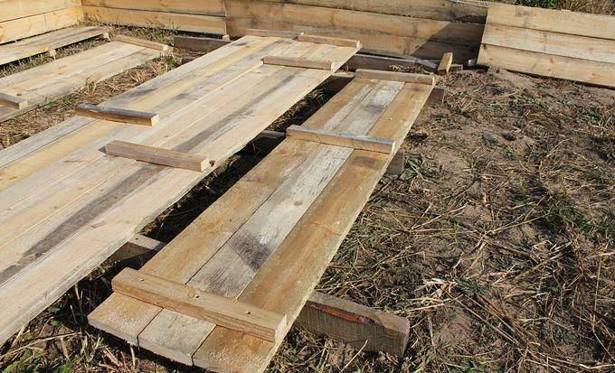 Сколачивание деревянных щитов