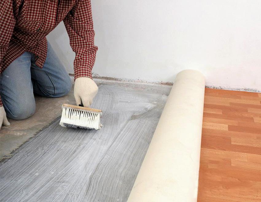 Приклеивание к бетонному полу
