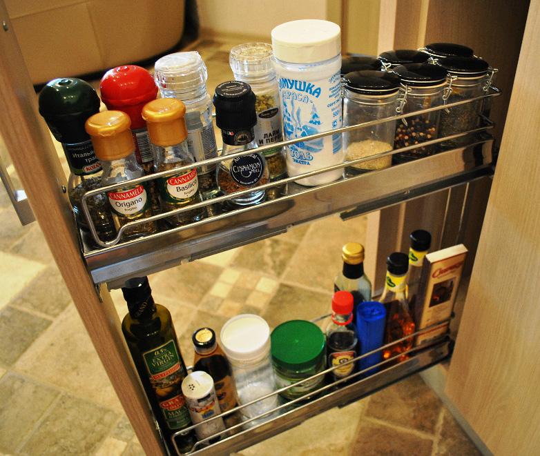 Бутылочница подходит для хранения самых разных предметов