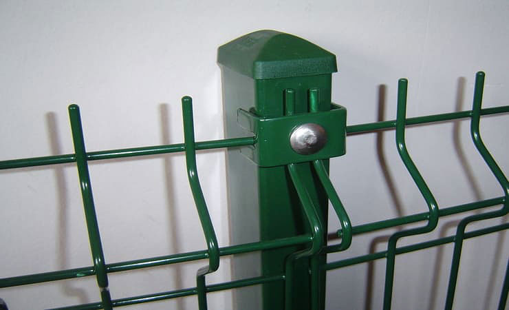 Антивандальные крепежные элементы используются при монтаже оград